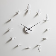Flying birds clock