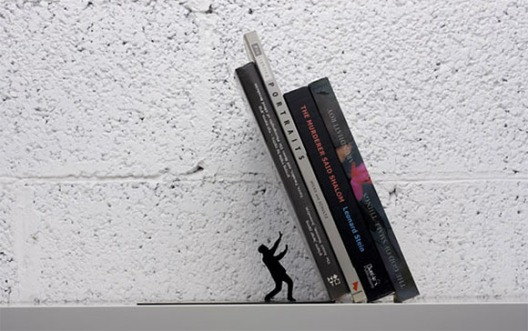 Falling bookends