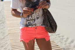 beach print look tshirt