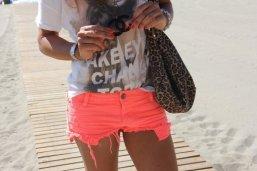 beach print look tshirt