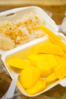 mango sticky rice food stall